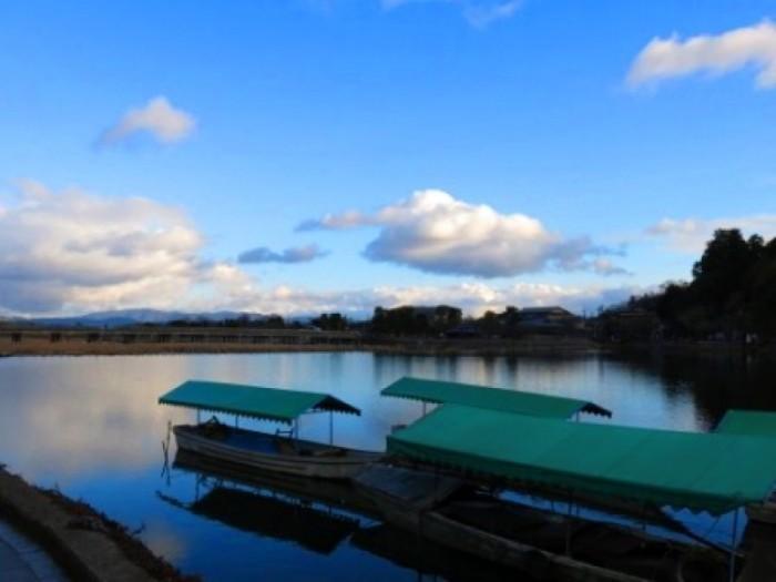 cropped-lake-arashiyama.jpg